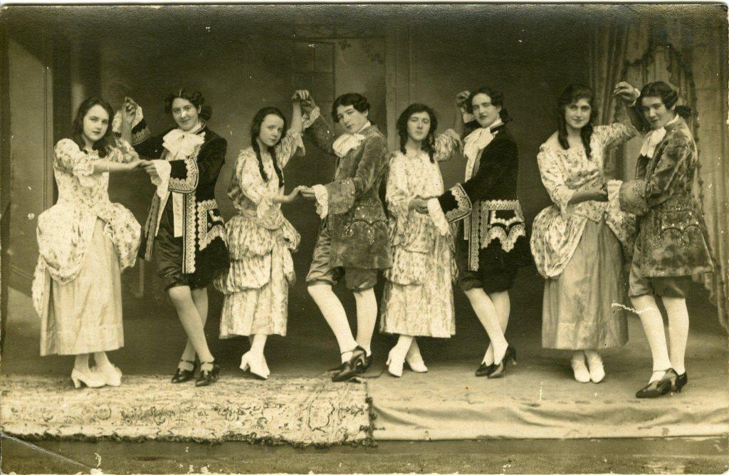 ballet-royal-chez-les-normaliennes