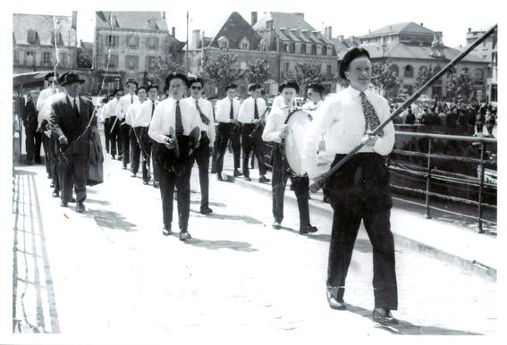 Défilé Fanfare EN 1956