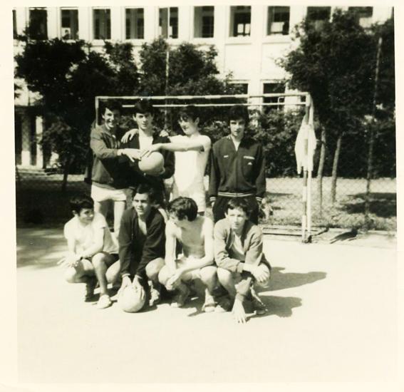 ENG 1969 Devant le nouveau bâtiment